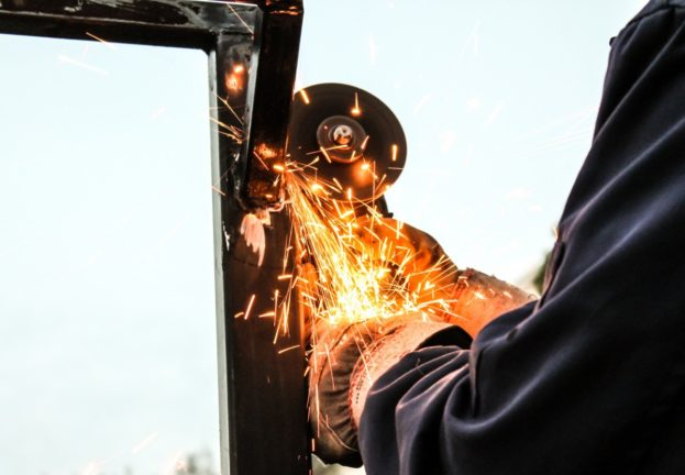 sparks_working_industry_metal_spark_light_manufacturing_steel-955665.jpg!d