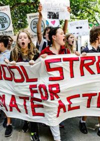"""""""There is no planet B"""". Il 15 marzo tutti in marcia per il clima"""