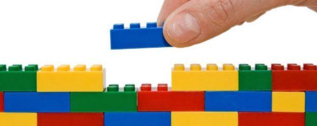 vi-piace-giocare-con-i-mattoncini-lego-assume-un-costruttore_1a5b885a-16a8-11e7-aa0e-6ad816d61953_998_397_original